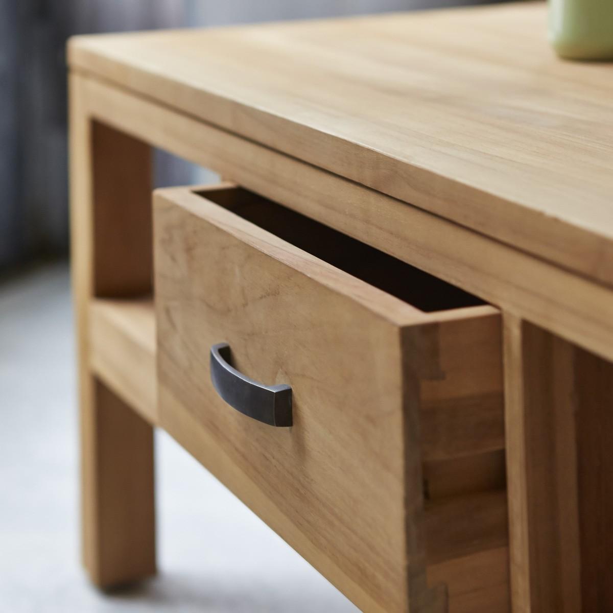 VERTIGO teakfa dohányzó asztal 110x60